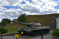 Дает полный газ войне оружий танка Стоковая Фотография RF