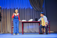 Дайте папе рассказ - историческая песня стиля и танцует драма волшебное волшебство - Gan Po стоковая фотография