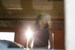 Дама Девушка Концепция азиатской этничности предназначенная для подростков феминист представляя стоковые изображения rf