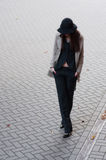 Дама дела осени стильная в костюме стоковое фото rf