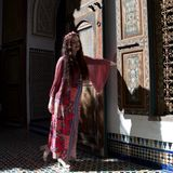 Дама представляя в Marrakech стоковое фото rf