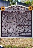 Данные по знака отметки положения Канзаса исторические стоковые фото