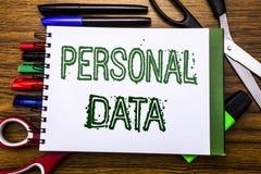 Данные по схематического текста сочинительства руки личные Концепция для предохранения от цифров написанного на тетради, деревянн Стоковая Фотография