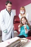 Дантист и пациент Стоковые Изображения RF