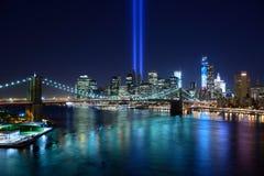 Дань New York City в свете стоковое фото rf