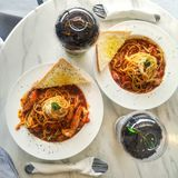дата еды спагетти на Филиппинах стоковые изображения rf