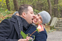 Дата. Счастливые человек и женщина Стоковые Изображения