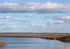 Датский фьорд с ветрянками в горизонте Стоковая Фотография RF