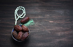 Даты плодоовощ и натюрморт розария Стоковая Фотография RF