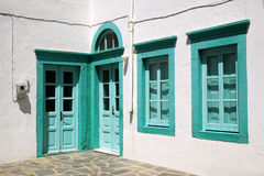 Двери и окна в зеленом цвете Стоковые Фотографии RF
