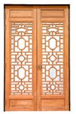 Двери китайского традиционного стиля деревянные на изолированном белом backgro Стоковое Фото