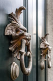 Двери ручки двери античные, милан, Италия Стоковое Фото