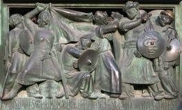 Двери собора милана показывая завоевание Иерусалима стоковая фотография