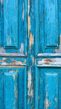 Дверь абстрактной деревянной предпосылки деревянная с отказами на голубом гипсолите краски Стоковая Фотография RF