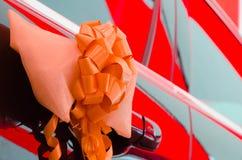 Дверь автомобиля украшенная с лентой Стоковая Фотография RF