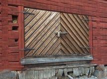 дверь амбара старая Стоковые Изображения