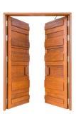 Дверь большого teak деревянная в роскошной вилле изолированной на белизне Стоковая Фотография RF