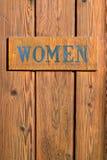 Дверь ванной комнаты знака женщин Стоковое Изображение RF