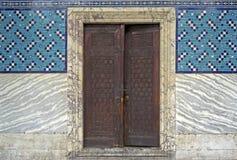 Дверь дворца Topkapi в Стамбуле стоковое фото rf