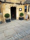 Дверь в Cotswolds Англии стоковое изображение rf