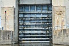 Дверь замка канала карильона Grungy Стоковое Фото
