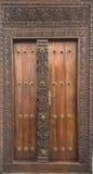 Дверь здания в каменном городке, Занзибаре стоковое фото rf