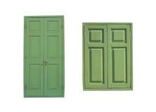 Дверь и Windows древесной зелени изолированные на белой предпосылке Стоковые Фотографии RF