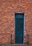 дверь кирпича зеленоватая Стоковое Изображение RF