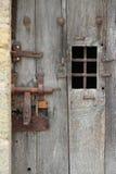 Дверь клетки бывшей тюрьмы Замок-du-Loir, Франции, была закрыта Стоковое Изображение