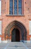 Дверь к старой церков в городе Vasteras в Швеции Стоковые Фотографии RF