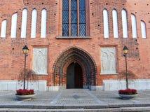 Дверь к старой церков в городе Vasteras в Швеции Стоковое Изображение RF