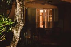 Дверь дома на ноче Стоковые Изображения RF