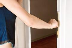 дверь открытая Стоковая Фотография
