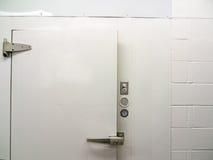 Дверь прогулки в охладителе Стоковые Фото