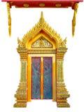 Дверь старого золота деревянная высекая стоковая фотография