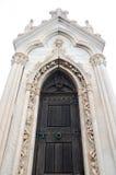 дверь церков готская Стоковая Фотография