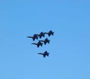 Двигатели голубого ангела летают в образование Стоковые Фотографии RF