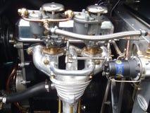 двигатель античного автомобиля стоковые фотографии rf