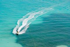 двигатель катается на лыжах тропическо Стоковые Изображения RF