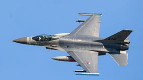 двигатель полета самолет-истребителя 16 f Стоковые Изображения