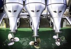 Двигатель шлюпки 3 скоростей с пропеллером стоковое фото