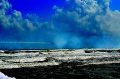 Двигатель на пляже стоковое изображение