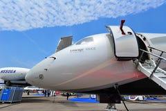 Двигатель происхождения 1000E Embraer исполнительный на дисплее на Сингапуре Airshow Стоковое фото RF