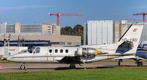Двигатель цитации Цессны 500 в авиапорте Цюриха Стоковые Фотографии RF