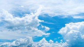 Двигать облаков промежутка времени акции видеоматериалы