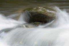 Двигать речной воды Стоковая Фотография