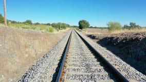 Двигать через железнодорожные пути сток-видео