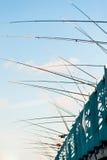 Двигая под углом удя линии от моста Стамбула Galata Стоковые Фотографии RF