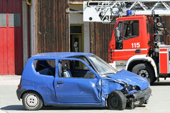 движение аварии разрушенное автомобилем Стоковое Фото