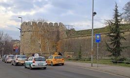 Движение автомобиля на древней крепости в Nis Стоковая Фотография RF